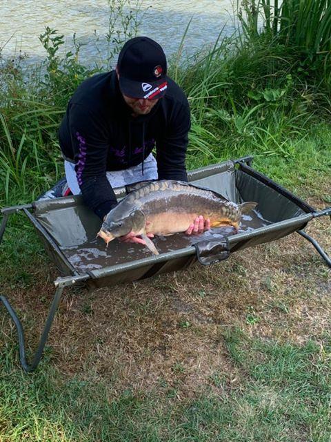 Fangfoto von Sascha mit Karpfen am Catch & Release Teich